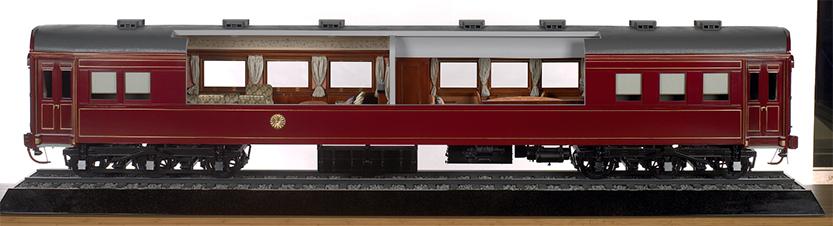 御召列車(昭和7年製作)を復元した模型